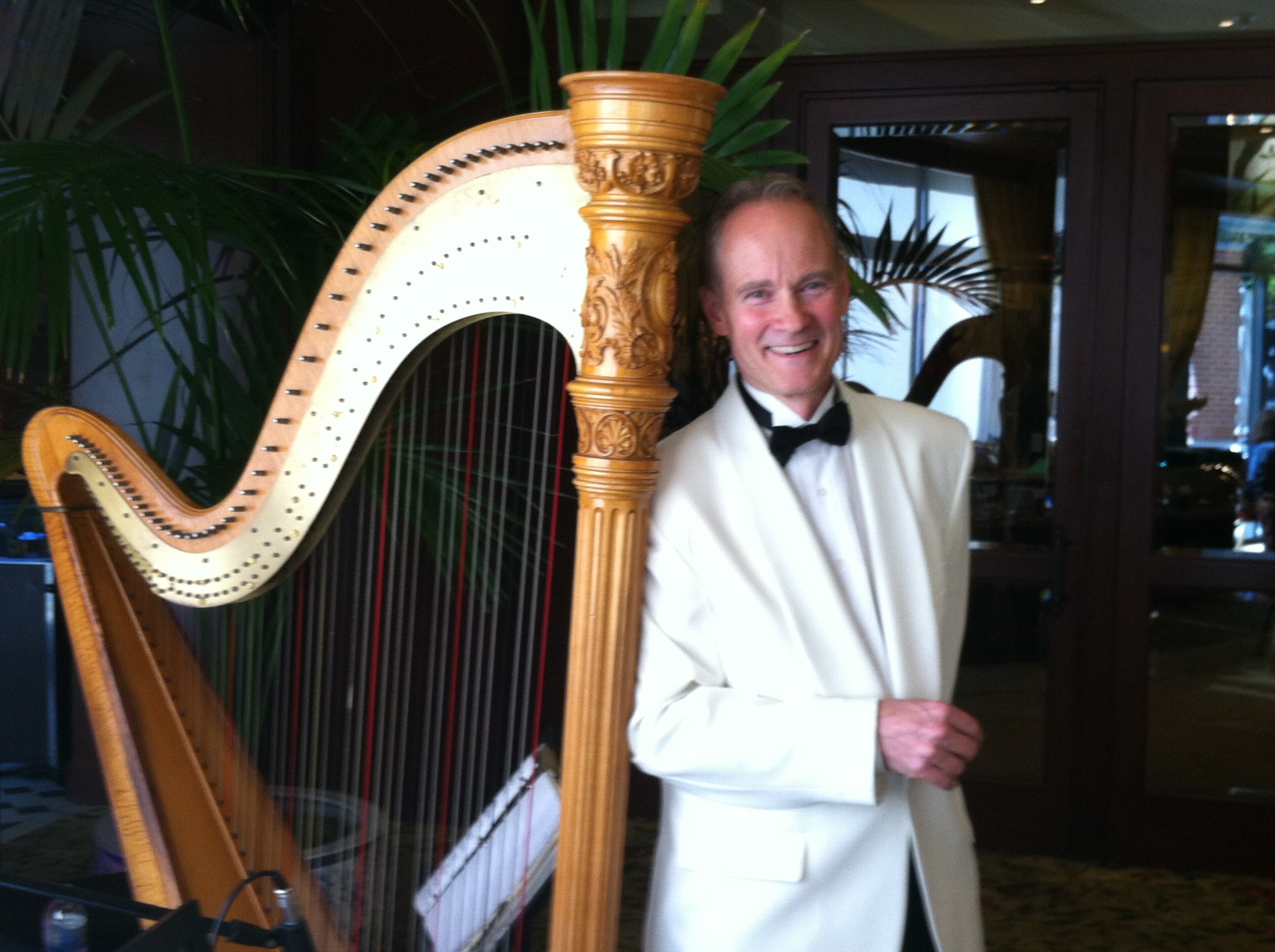 Eric Zimmermann - DJ and Master of Ceremonies, Pianist and Band Leader