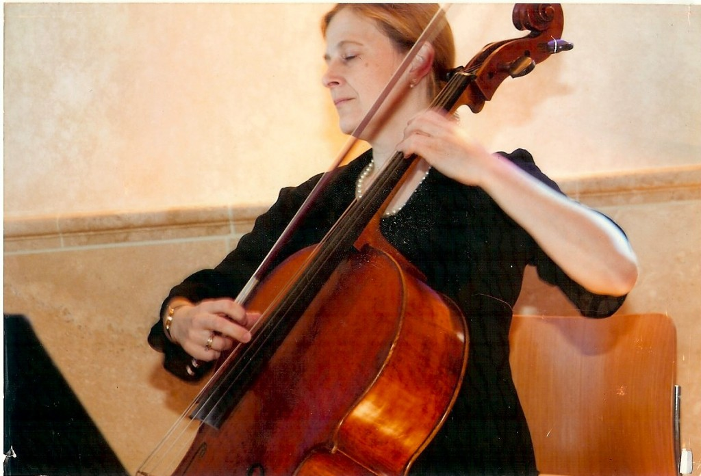 Cellist Wendy Velasco
