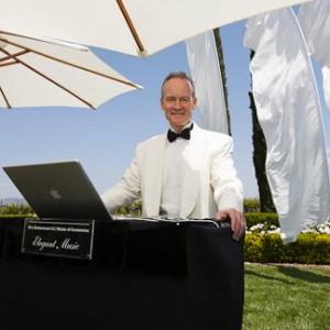 DJ-Eric-Under-Umbrellas